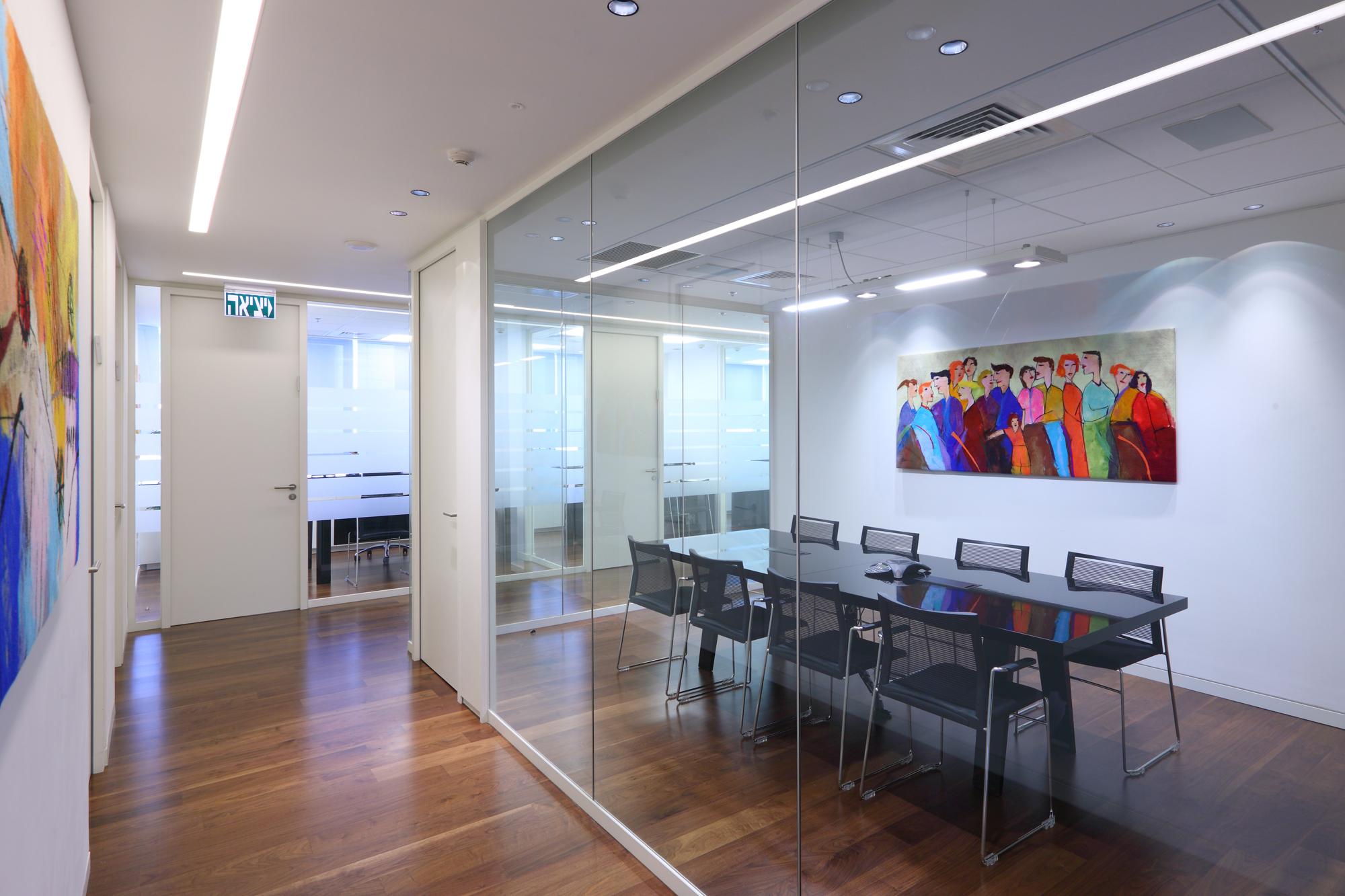 Alroy Manor Englard | Law Office Design