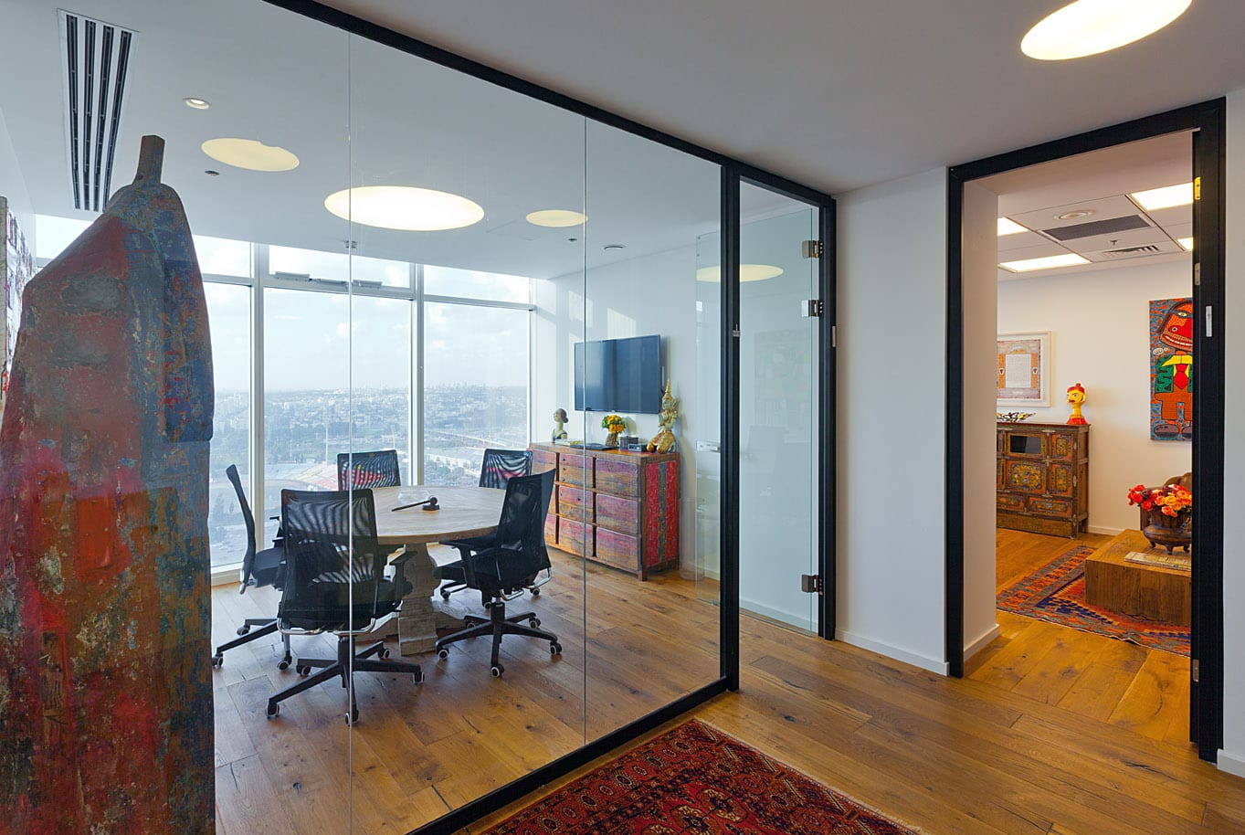 עיצוב חדר ישיבות - OMS