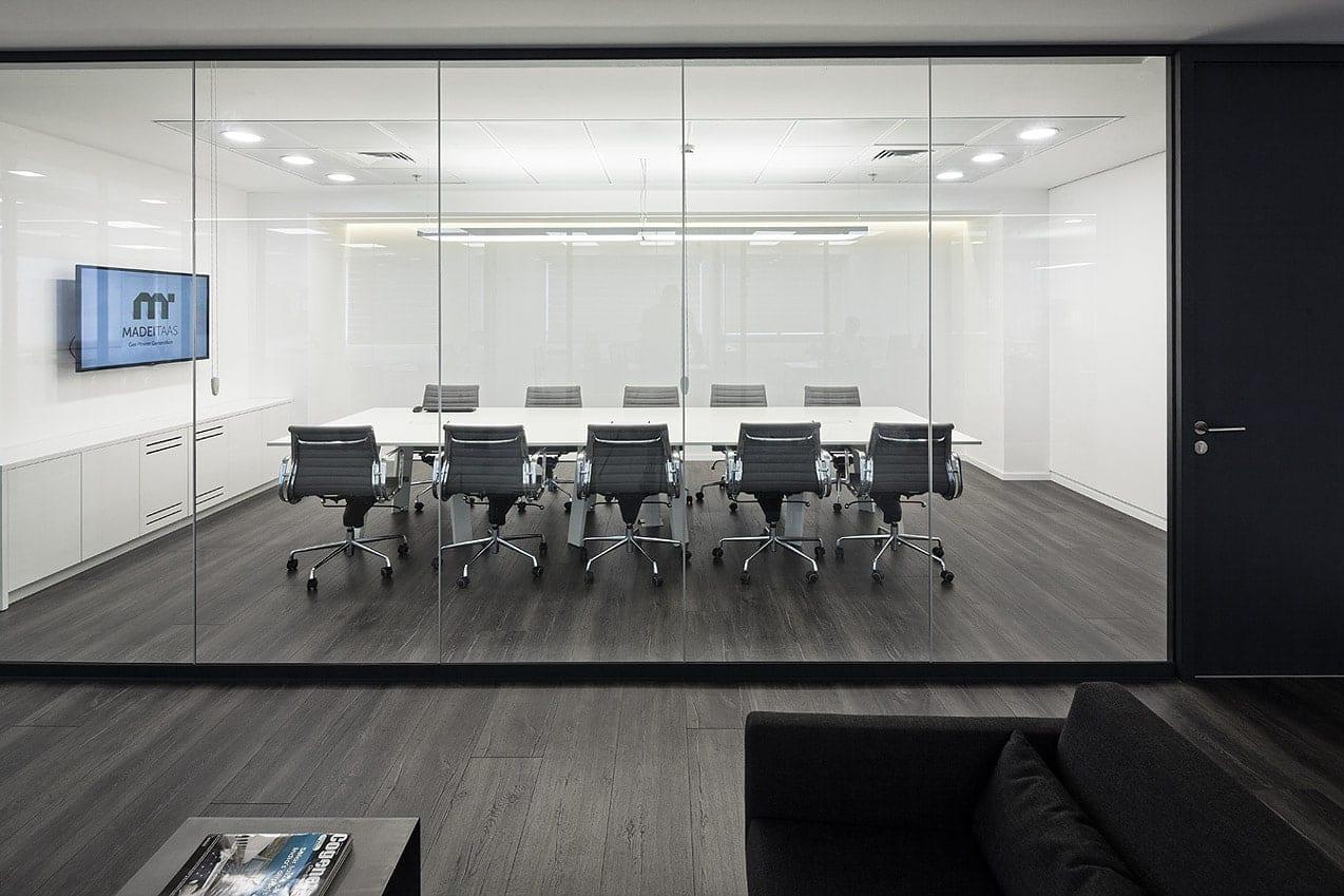 עיצוב חדר ישיבות במשרדי מדי תעש